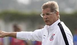 Corinthians despede Oswaldo de Oliveira