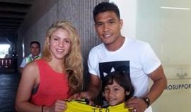 Veja quem Teo Gutiérrez encontrou no aeroporto