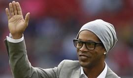 Ronaldinho Gaúcho nega estar noivo