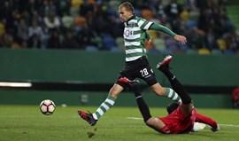 A crónica do Sporting-Feirense, 2-1: Com o coração nas mãos