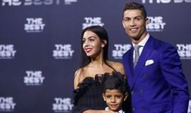 Namorada de Ronaldo capta atenções em Zurique