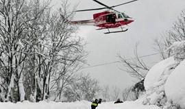 Avalanche atinge hotel numa estância de esqui em Itália e faz vários mortos