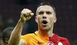Treinador do Galatasaray quer manter Podolski