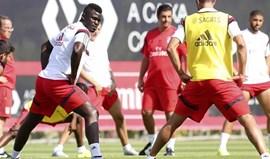 Pelé segue Teixeira para o Nottingham