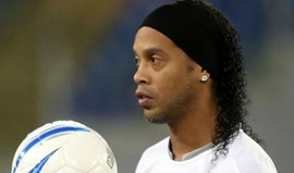 Ronaldinho Gaúcho cada vez mais longe do Coritiba