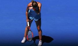 Simona Halep abandona torneio de São Petersburgo devido a lesão