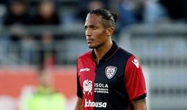 Atalanta derrota Cagliari de Bruno Alves