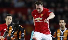 Jones fala de Ferguson, Van Gaal e Mourinho... e há um que fica mal na fotografia