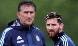 Bauza está a tentar perceber em que posição Messi se sente mais cómodo