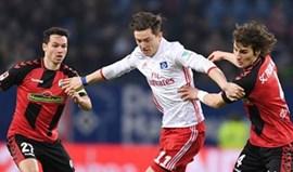 Hamburgo e Friburgo empatam a dois golos