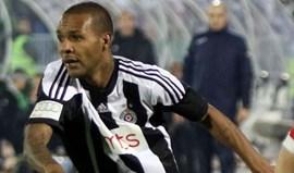 Sérvia: Partizan Belgrado defende jogador alvo de cânticos racistas