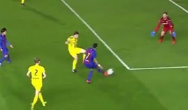 Jovem craque do Barcelona arranca de meio-campo para golo estratosférico
