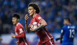 China: Golos de Alan Kardec e Witsel só dão para empates