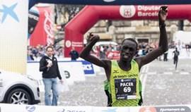 Paralímpico Jonah Kipkemoi e Hellen Bekele vencem maratona de Barcelona