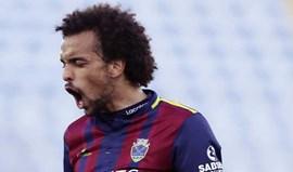 Fábio Martins recupera posto