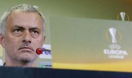 Mourinho e as três 'prendas' que recebeu na 2.ª feira à noite...