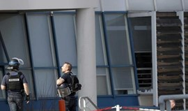 Aluno armado detido após disparos contra diretor de liceu em França