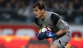 Casillas fora da seleção espanhola... mas recebendo elogios de Lopetegui