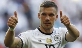 Lukas Podolski chamado para a despedida da seleção