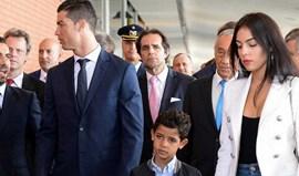 Namorada de Ronaldo esteve sempre bem acompanhada