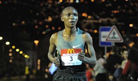 Moses Kibet e Joy Kemuna Loyce vencem meia maratona de Madrid