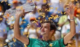 Federer admite que não deverá voltar a jogar antes de Roland Garros
