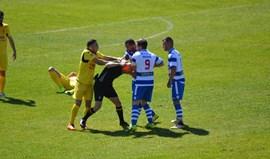 Canelas afasta jogador que agrediu árbitro com joelhada na cara