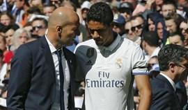 Raphaël Varane é o mais recente problema de Zidane