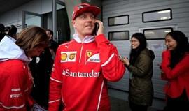A brincar, a brincar... a Ferrari pode perguntar a Räikkönen o que é que se passa