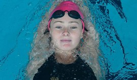 Victoria Kaminskaya bate terceiro recorde absoluto, agora nos 200 metros bruços