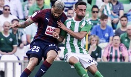 Portugueses de Eibar e Granada sem sorte