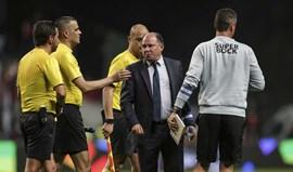 Luís Gonçalves apanha 30 dias por dizer ao 4.º árbitro a tua carreira vai ser curta