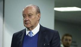 Pinto da Costa fala em assassinatos no futebol e propõe candeeiros em vez de... lampiões