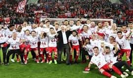 Grécia: Olympiacos é campeão com toque português