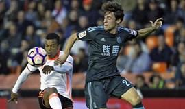 Golo de Nani não evita derrota caseira do Valencia