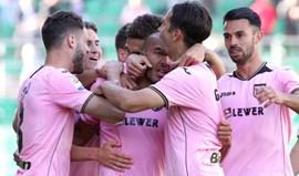 Fiorentina perde na deslocação a Palermo e complica luta pela Europa (2-0)