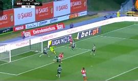 Paulo Oliveira falhou o corte e Pedro Santos deu para Rui Fonte marcar