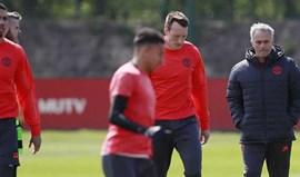 Comentador da BBC diz que Mourinho está a humilhar Jones, Smalling e Shaw
