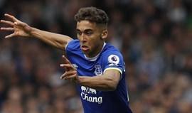 Dominic Calvert-Lewin renova com o Everton