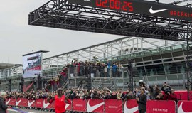 Kipchoge fica a 26 segundos de correr maratona abaixo das duas horas