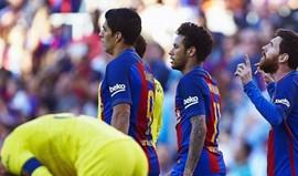 Barcelona supera Villarreal com ajuda do trio do costume