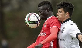 Benfica sofre derrota ao cair do pano