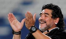 Emirados: Diego Maradona vai treinar clube da 2.ª divisão