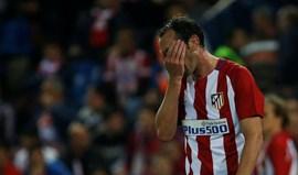Diego Godín suspenso por três encontros