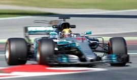 GP de Espanha: Mercedes 'novos' entram a 'matar' e Alonso vive nova rábula