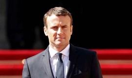 Emmanuel Macron toma posse como presidente de França