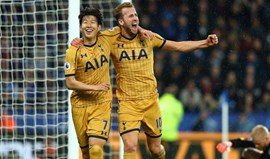 Tottenham arrasa Leicester com quatro golos de Harry Kane
