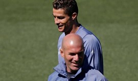 Zidane dá exemplo de Ronaldo: «Estamos de 'p*** madre' em termos físicos»
