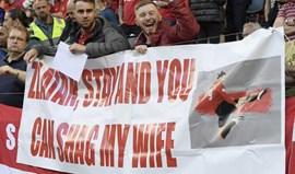 Adepto do United oferece... a mulher para Ibrahimovic ficar