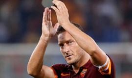 Totti confirma que vai deixar a Roma mas não termina a carreira